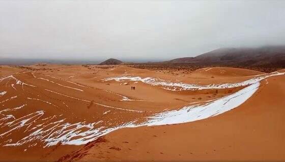 Nevou no deserto de saara